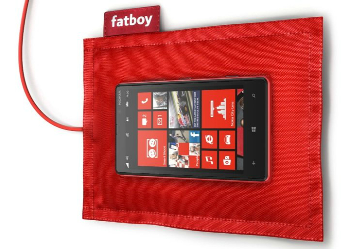 Удобная многофункциональная зарядка для телефона под названием - Nokia DT-901.