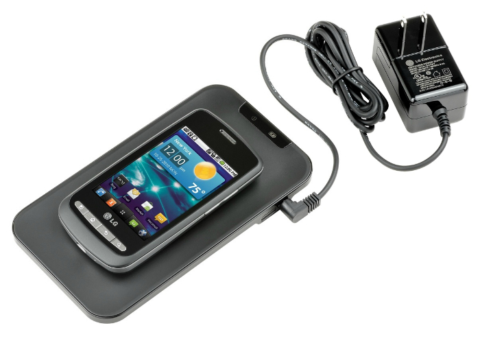 Маленькая тонкая зарядка для смартфона под названием - LG WCP-700.