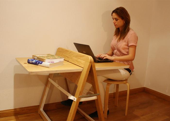 Вис Даниэль Гарсиа Санчес дизайнер этого оригинального складного стола.