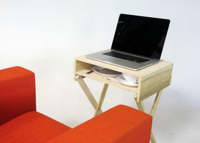 Архитектор и дизайнер экомебели из Торонто Ллойд Альтер (Lloyd Alter) представил свою новую разработку – небольшой регулируемый столик-подставку под ноутбук на основе классической телевизионной тумбы.