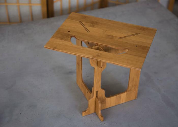StandStand преобразовывает любую поверхность в эргономичный предмет мебели и позволяет работать стоя.