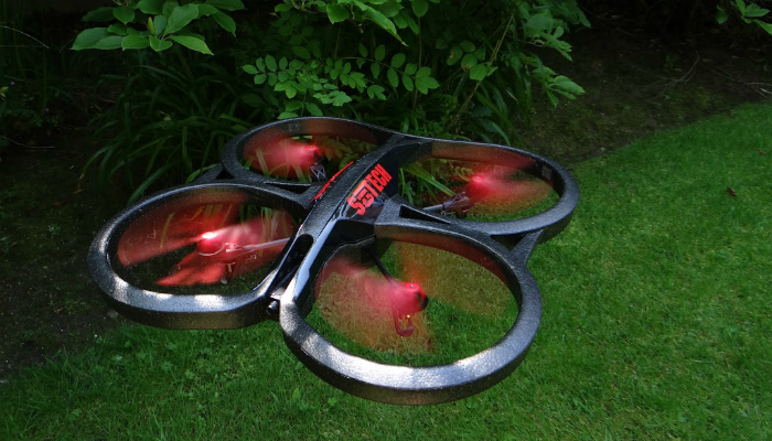 Необычный дрон под названием - PARROT AR.DRONE 2.0 POWER EDITION.