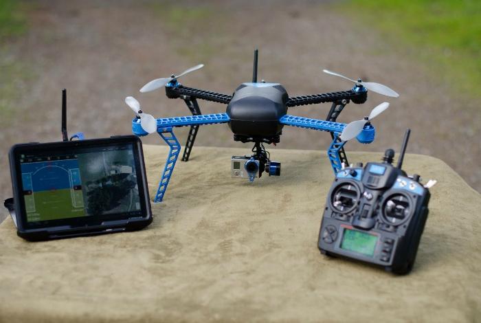 Умный дрон под названием - 3D ROBOTICS IRIS.