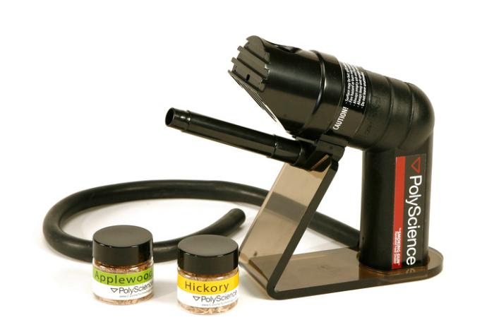 Функциональный пистолет для окуривания продуктов под названием - Smoking Gun.