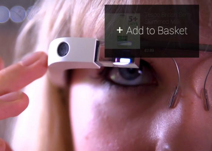 Компания Tesco стала первым крупным британским ритейлером, запустившим приложение для Google Glass, которое позволяет покупателям находить продукты, просматривать информацию об их составе и добавлять в список покупок – и всё это со свободными руками.