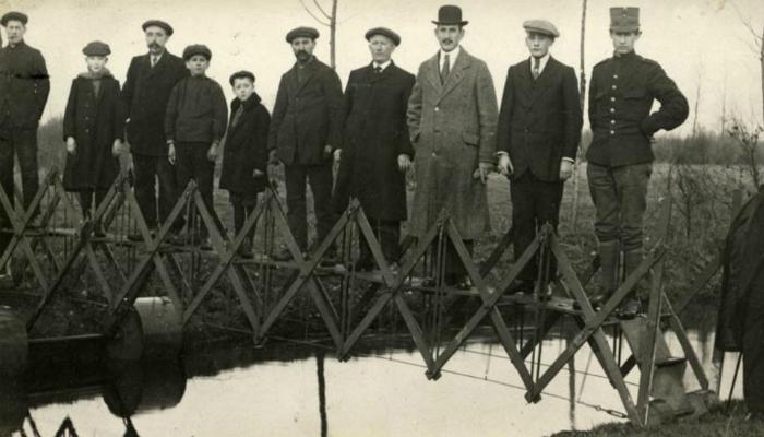 Функциональный складной мост, изготовленный голландскими инженерами.