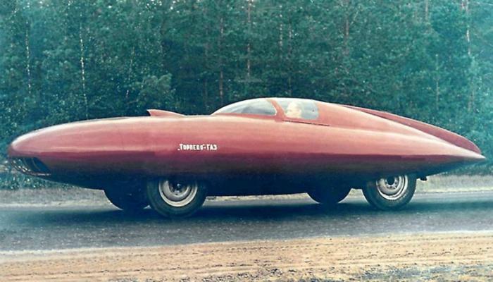 «Торпедо-ГАЗ» - это удивительный концепт автомобиля с дюралюминиевым кузовом, сконструированным на базе «Победы» в 1951 году.