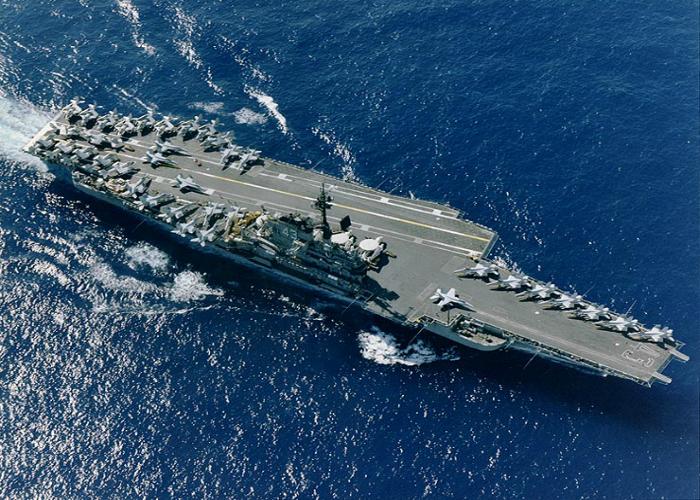 Американский военно-морской авианосец под названием - Мидвей.