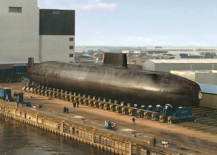 Атомная подводная лодка под названием - Астьют, Великобритания.