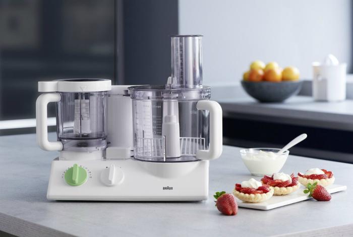 Многофункциональный кухонный комбайн под заглавием - Braun FX 3030.