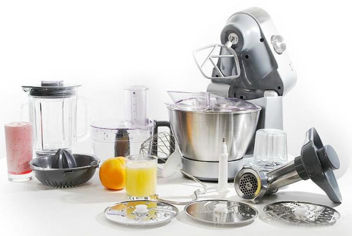 Самые фаворитные и производительные, как многие думают, кухонные комбайны.