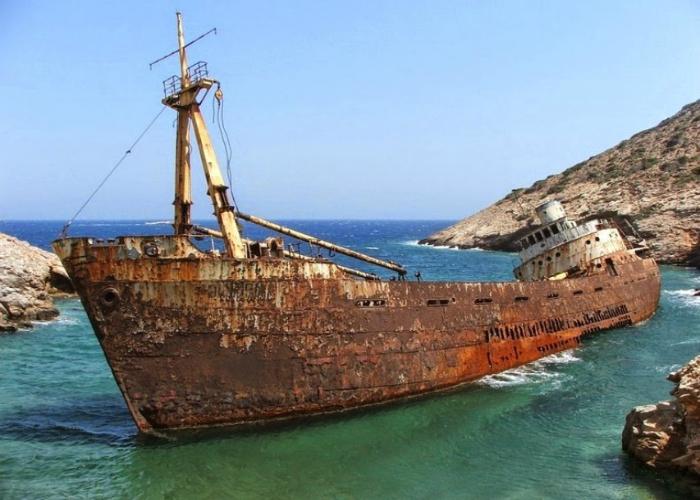 Торговый корабль под названием - Олимпия.