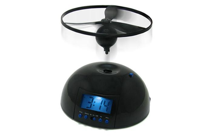 Функциональный летающий будильник c пропеллером.