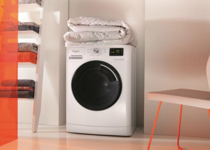 Новая стиральная машинка под названием - Whirlpool AWOE 9142.