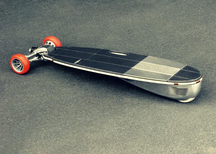 Трехколесный скейтборд Groundsurf, которым можно управлять при помощи смартфона.
