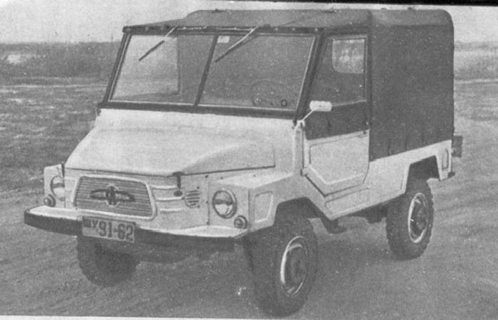 Уникальный советский внедорожник под названием ЗАЗ 969, изготовленный всего в двух экземплярах на запорожском автомобильном заводе в 1964 году.