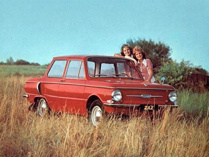 Советский автомобиль под названием - ЗАЗ-968 «Запорожец», который изготавливался Запорожским автомобильным заводом в период с 1971-го по 1994 год.
