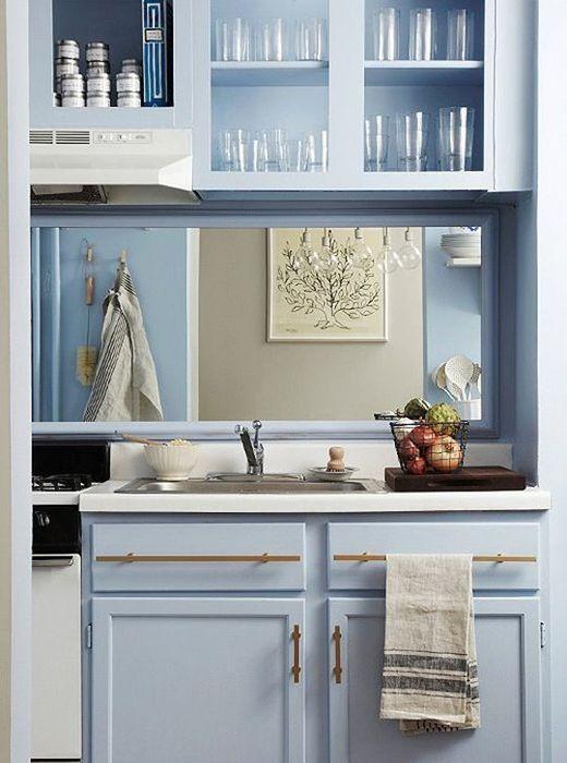 Зеркальный фартук на кухне