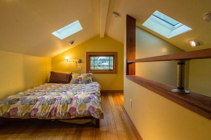 Минималистичный интерьер спальни