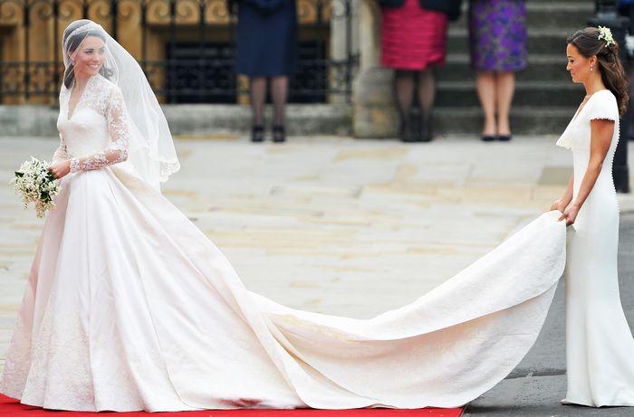 Кружевное платье Кейт Миддлтон: 400 000 долларов