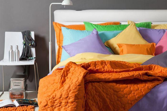 Постельное бельё в интерьере спальни