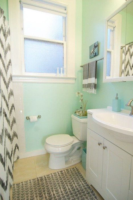 Нежно-голубой оттенок в интерьере ванной