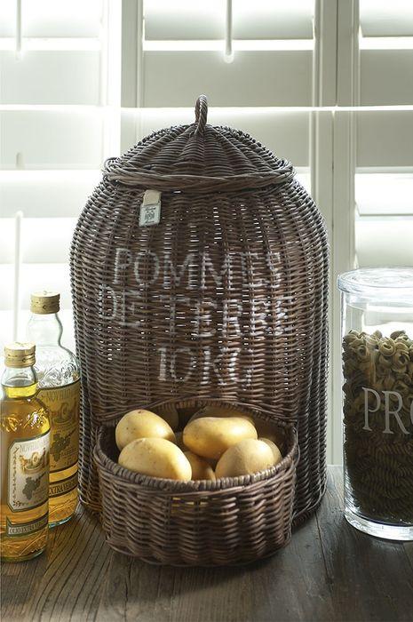 Плетёная корзина для хранения овощей