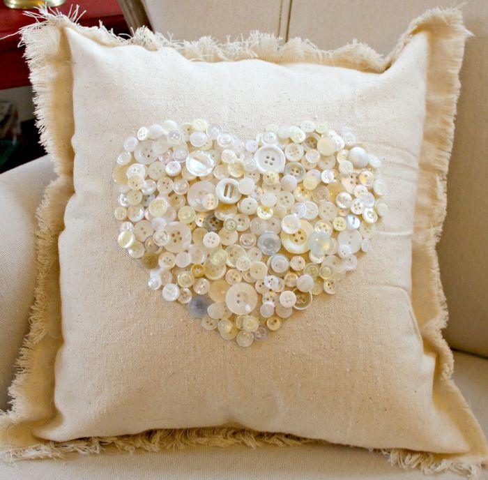 Стильный декор для подушки