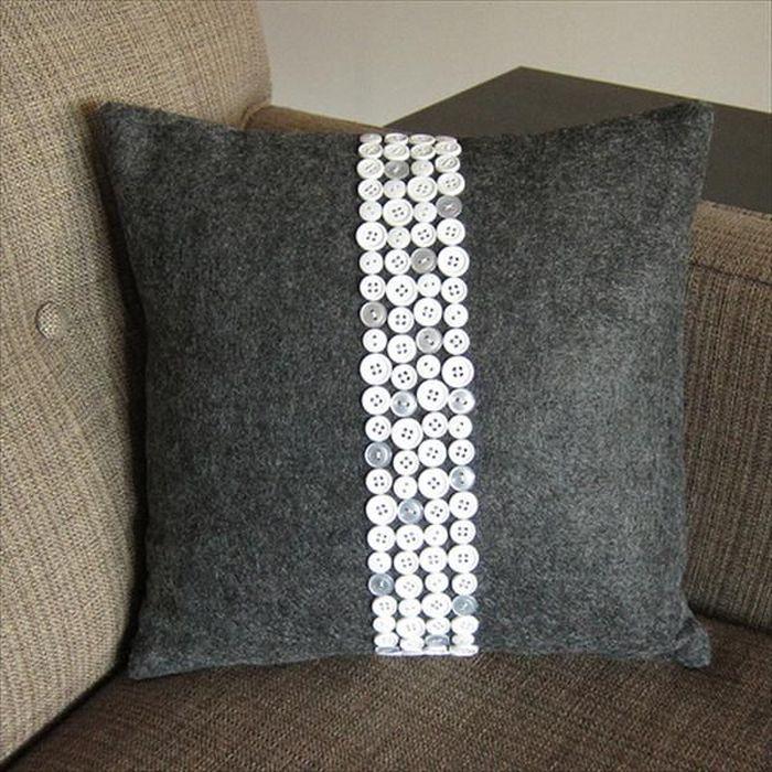 Красивая декоративная подушка