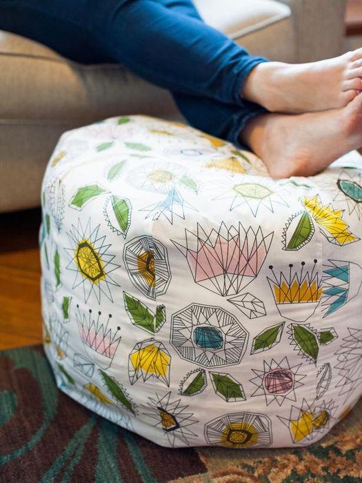 Замена текстиля на пуфе