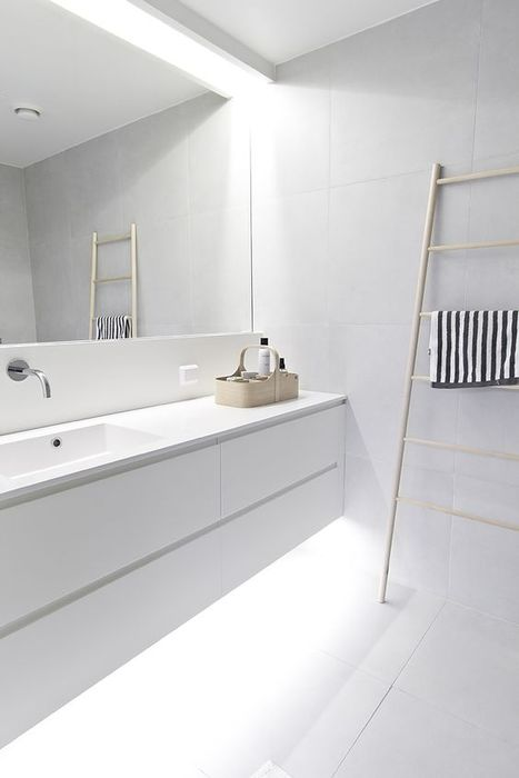 Подсветка в интерьере ванной комнаты