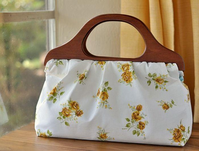3. Женская сумочка