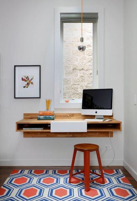 Стол для маленькой квартиры