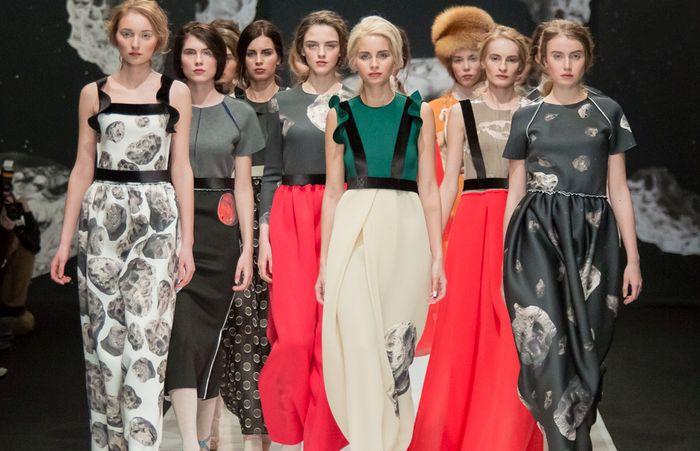 36 крутых платьев, которые будут модными в осенне-зимнем сезоне