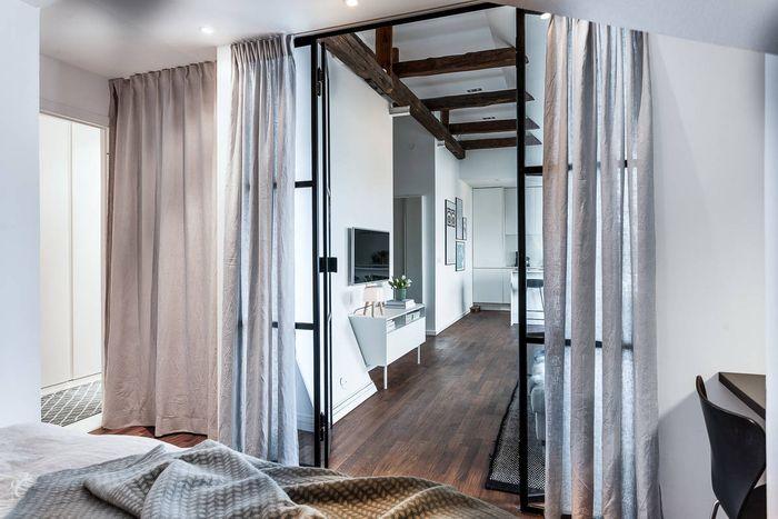 Вид из спальни на интерьер