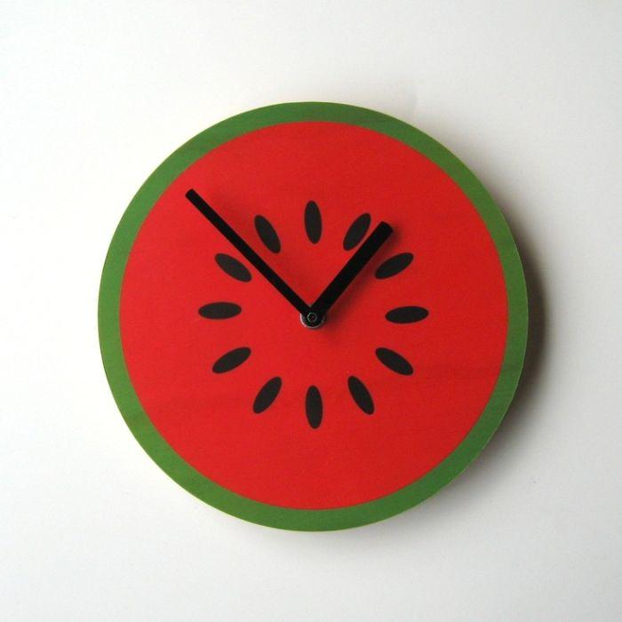18. Часы-арбуз