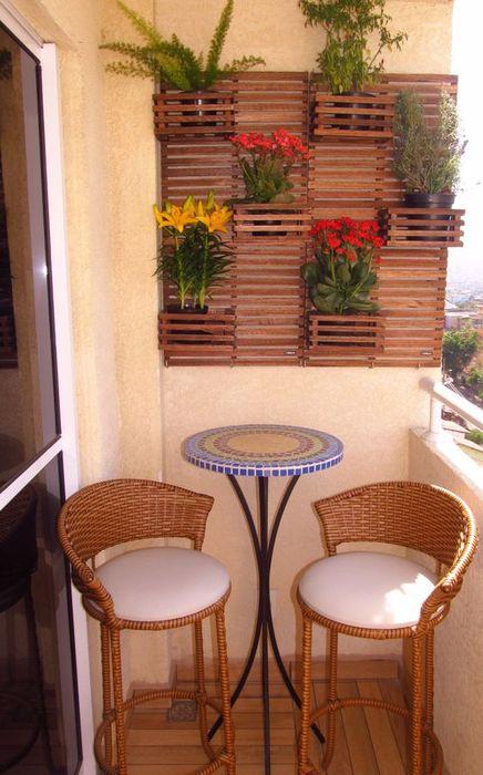 Практичная мебель на балконе