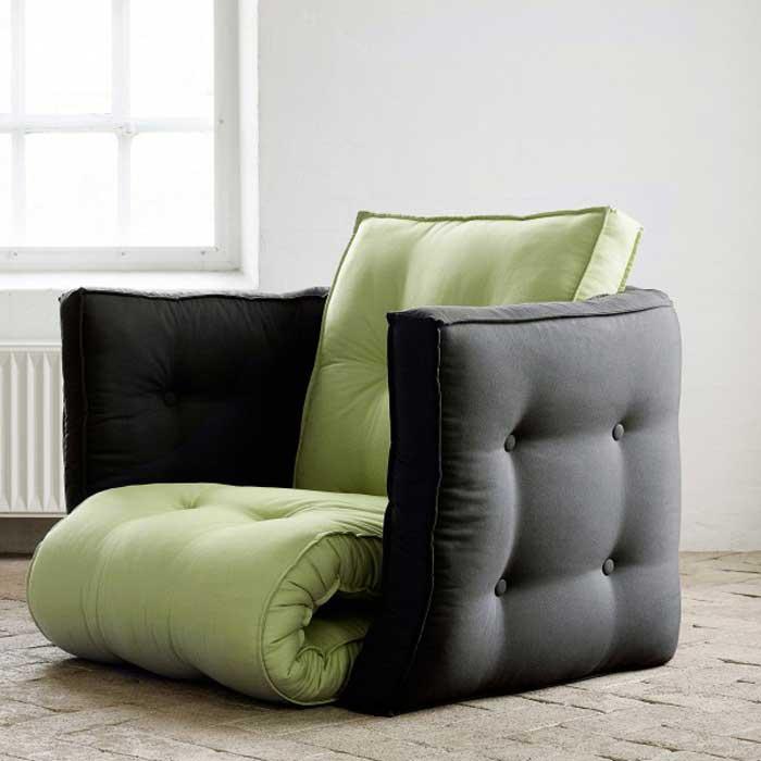 Кресло из матрасов