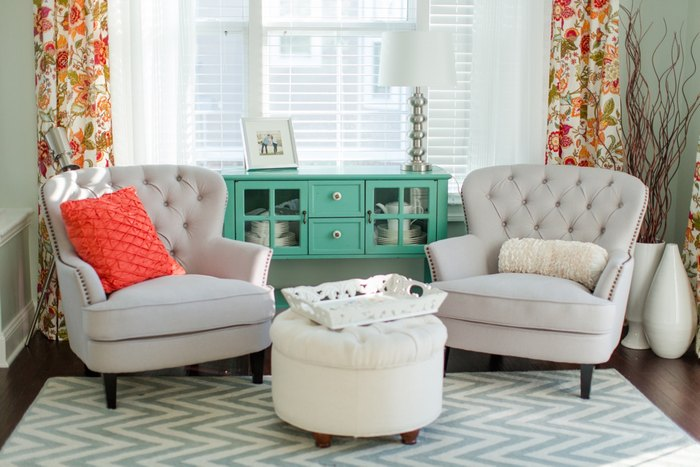 Причина №2: без дивана гостиная смотрится элегантно