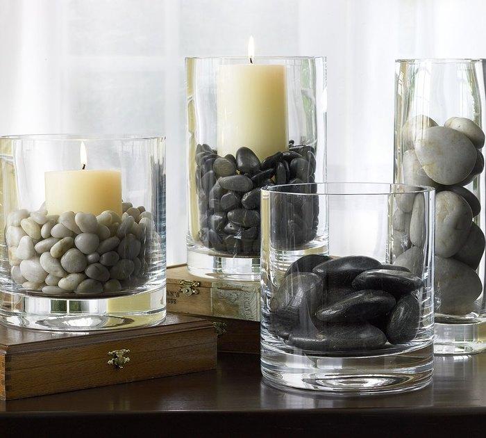 Идея №22: подсвечники из прозрачных стаканов и морской гальки