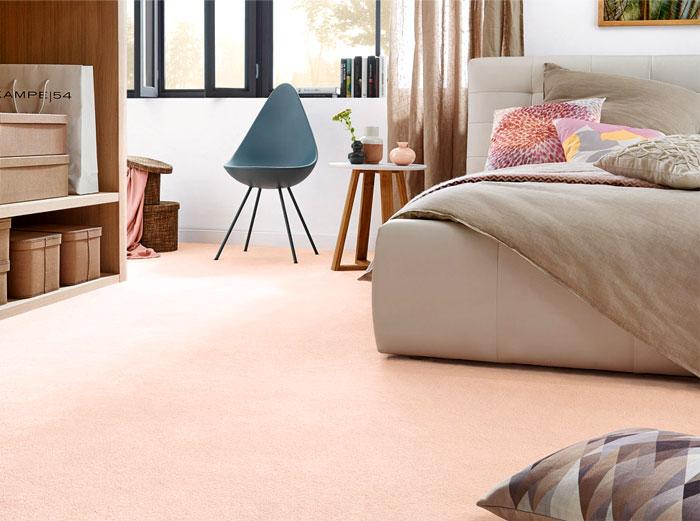 Ковёр нежного розового оттенка для создания расслабляющей обстановки
