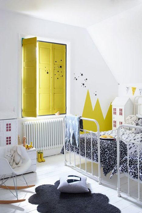 Стильная идея для декора стен в детской