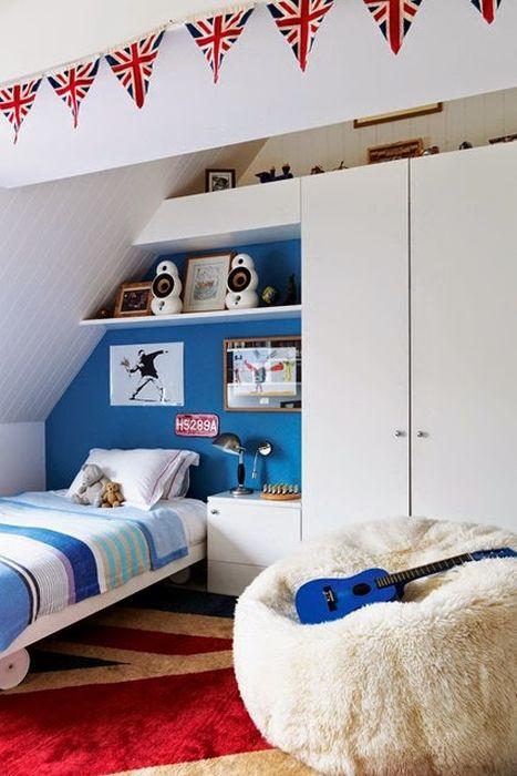 Функциональное хранение в комнате мальчика