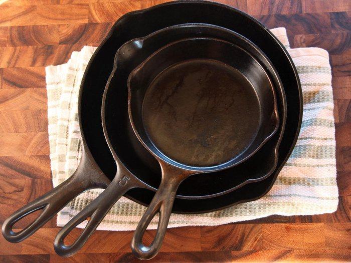 Любую сковороду нужно мыть сразу же после использования