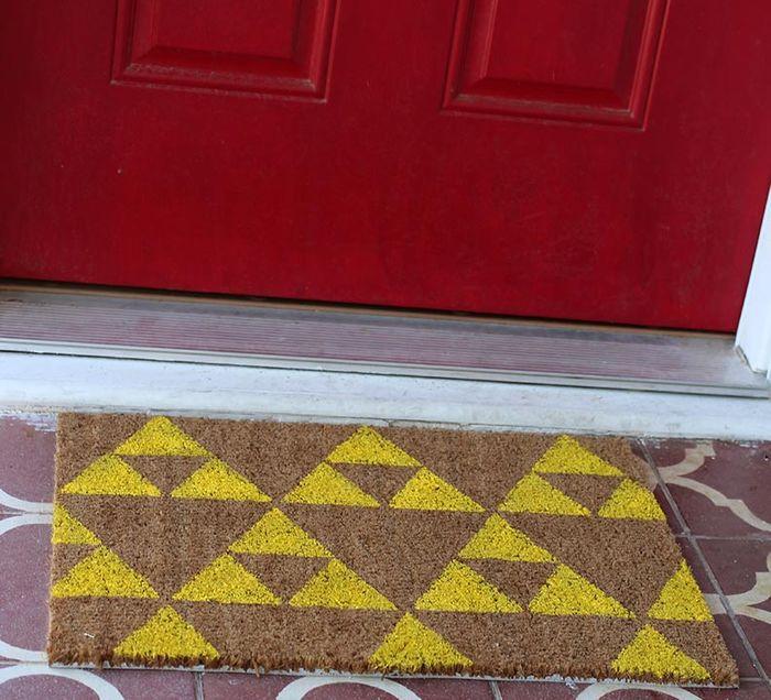 Коврик перед входной дверью