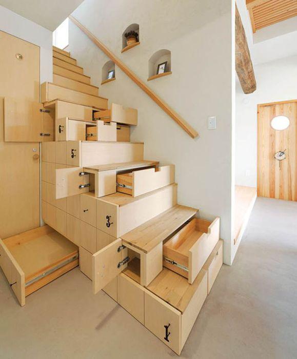Уж очень функциональная лестница