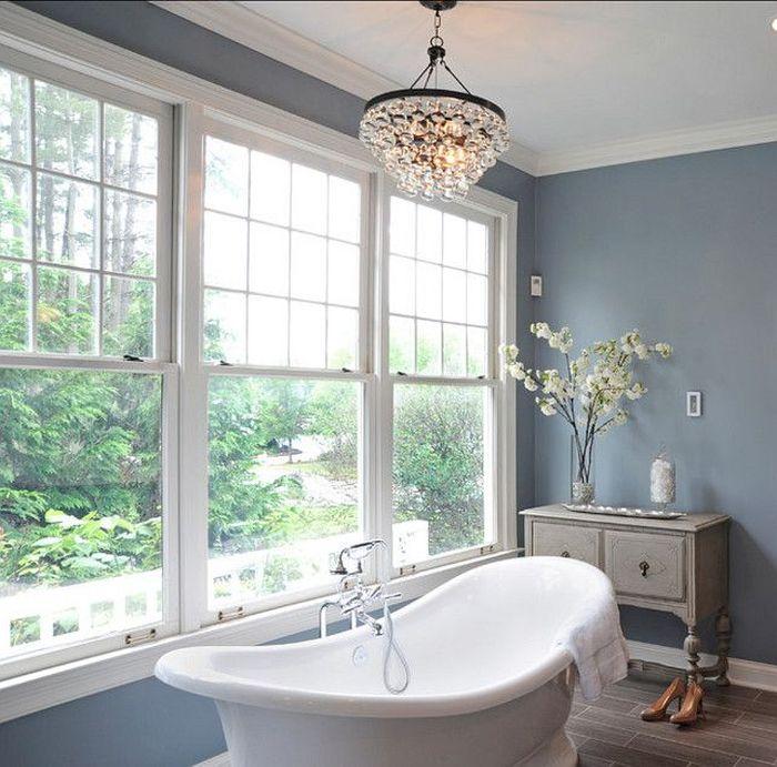 Интерьер ванной в спокойных оттенках