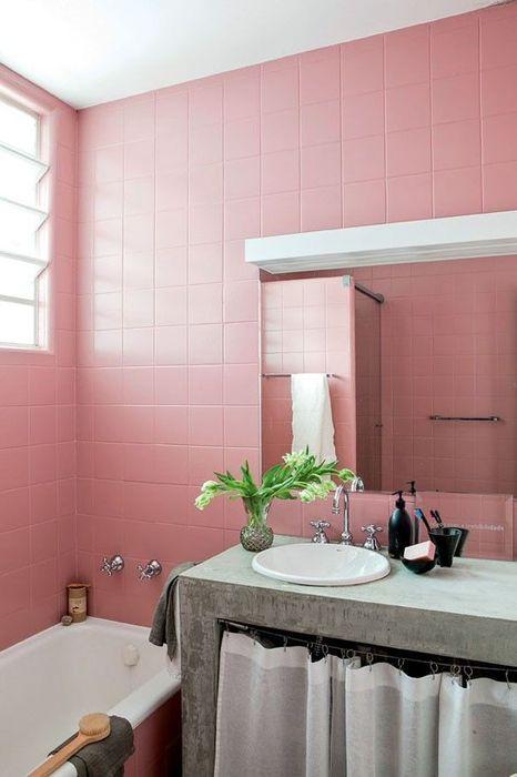 Интерьер ванной в розовых тонах