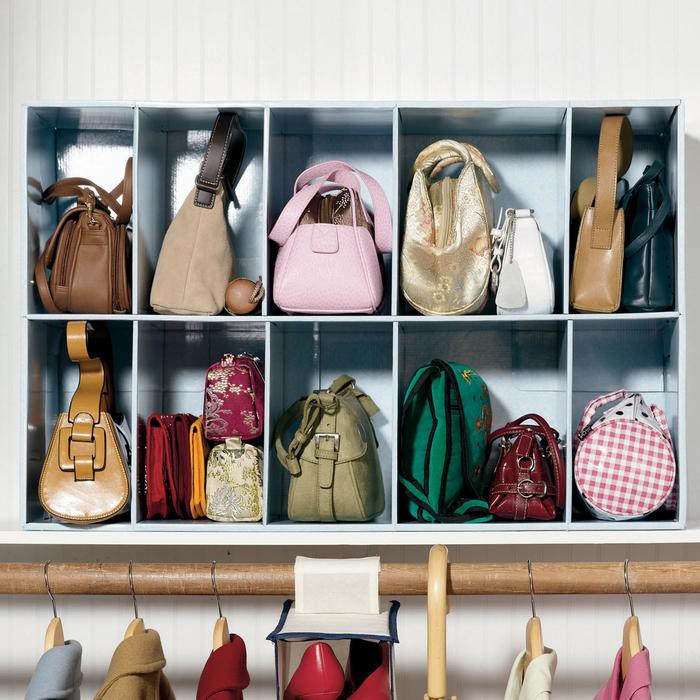Идея для хранения женских сумочек