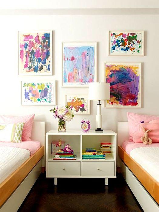 Способ №4. Рисунки ребёнка на стене
